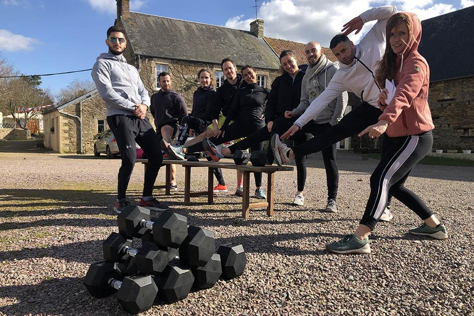 Cross-training en Normandie-Groupe S-Camp avec Dumbell
