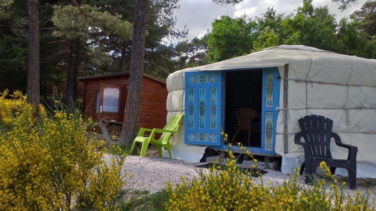 S-Camp_Destination ailleurs _yourte_bleue 960x540