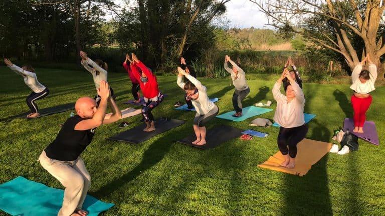 S-Camp_Pole Dance_Loiret_Yoga_cours_main en l'air 960x540