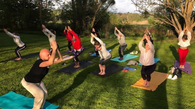 Séjour Pole Dance avec cours de Yoga en extérieur