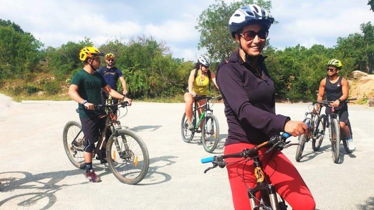 Balade en vélo alors due vacances sportives pour adultes