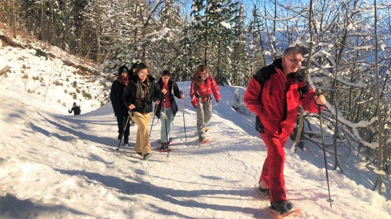 groupe balade en raquettes neige séjour sportif hiver